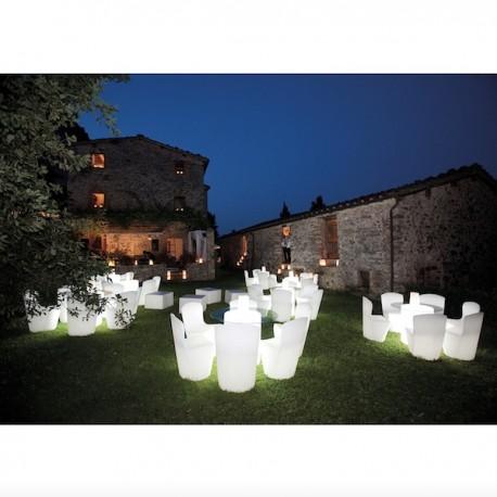 TAVOLO FISSO ARTHUR ART130 - Struttura in polietilene Bianco con illuminazione interna, anche per esterno. Sedia Zoe.