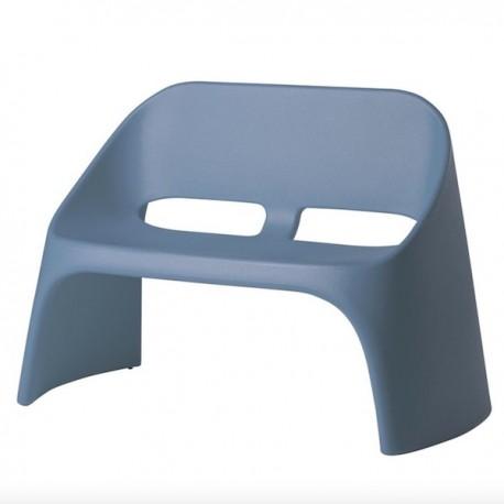 DIVANETTO AMELIE DUETTO ADU120 - Realizzato in polietilene nel colore Blu Polvere FL. Anche per esterno.