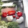 DIVANETTO A DONDOLO BLOSSY BLO086 - In polietilene nei colori Rosso Fiamma o Bianco Latte. Anche per spazi all'aperto.