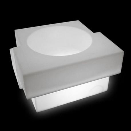 VASO CUBIC YO CUY046 - Struttura realizzata in polietilene  nel colore laccato opaco Bianco Absolute MF, anche per esterno.