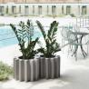 Vaso Gear Pot - Realizzato in polietilene nel colore standard Grigio Tortora FP. Diametro 55 cm ed altezza 43.