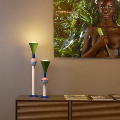 Lampada da tavolo Carmen - Realizzata in alluminio dal diametro di 15 cm ed altezza pari a 50 o 75 cm
