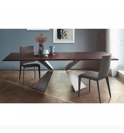 Tavolo Prora fisso - Struttura in metallo verniciato e piano in legno impiallacciato.