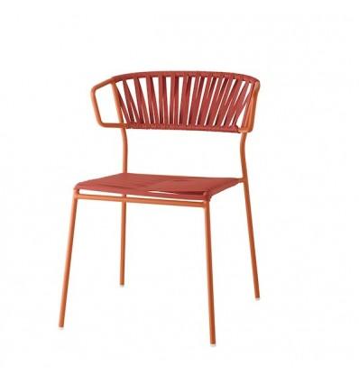 Poltrona Lisa Club 2873 - Struttura in metallo verniciato Terracotta ZE, seduta e schienale in fili di PVC Rosso P73.