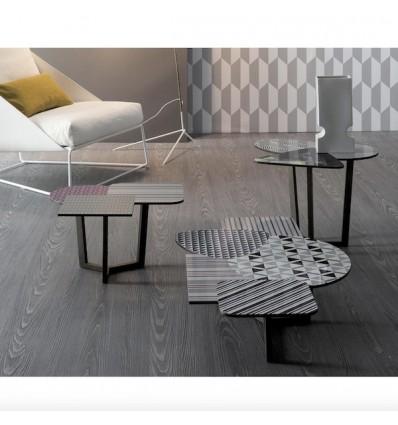 Tavolino Doppler - Struttura in legno massello e piano in laminato HPL stampato. Disponibile in 3 dimensioni.