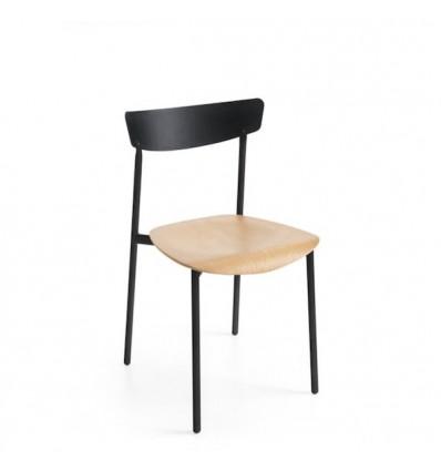 Sedia Clip CB/1971 Connubia Calligaris - Struttura in metallo Nero Opaco P15 e  seduta in multistrato di legno P19W.